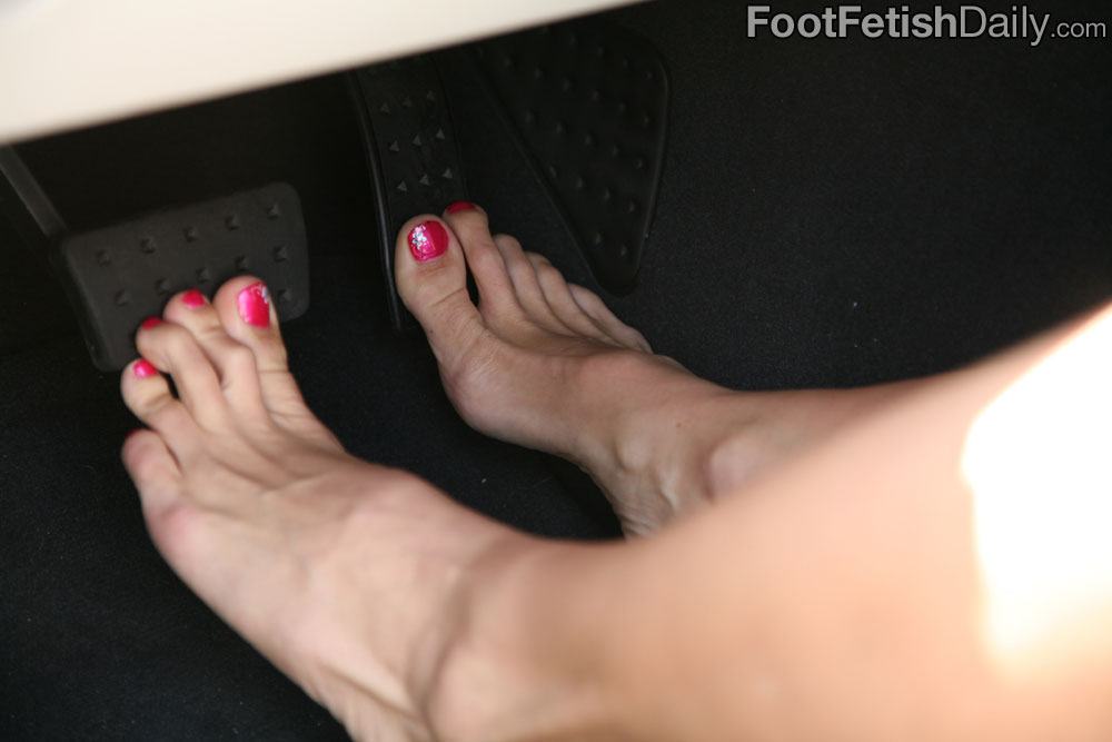 Me, please Admits boots fetish